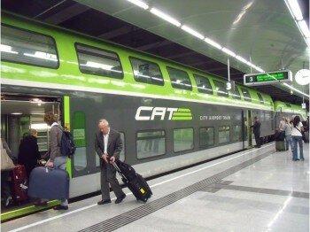 Wiedeń: Jeden z pociągów z lotniska w Wiedniu do centrum stolicy Austrii